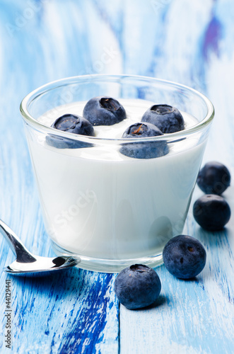 yogurt blackberry