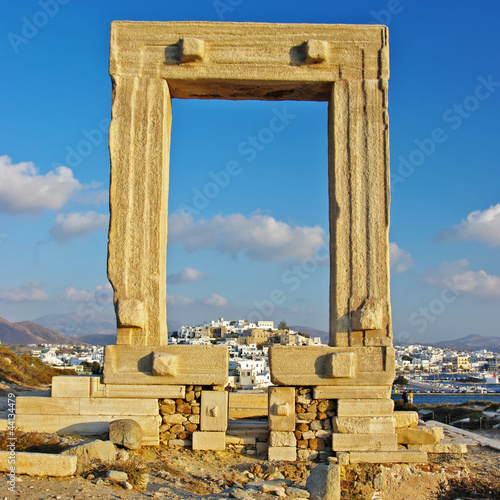 travel in Greece series - Naxos, appolo gate temple