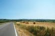 Strada vicino a campagna, Toscana, Italia