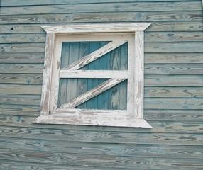 antigua ventana de la casa de la playa