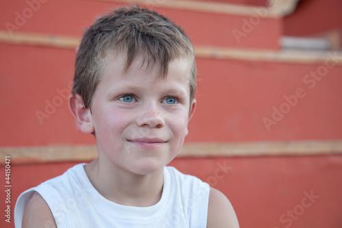Eté : sourire d'enfant (6-7 ans)
