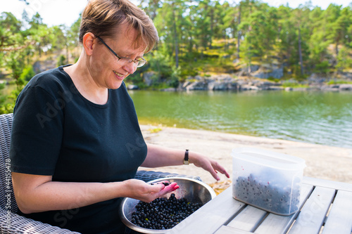 Selecting blueberries