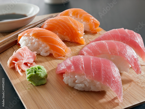 Sushi - Salmon and tuna nigiri in complete focus
