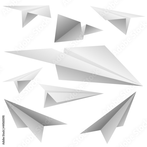 White paper planes isolated o white