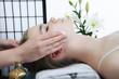 masaż twarzy w gabinecie spa