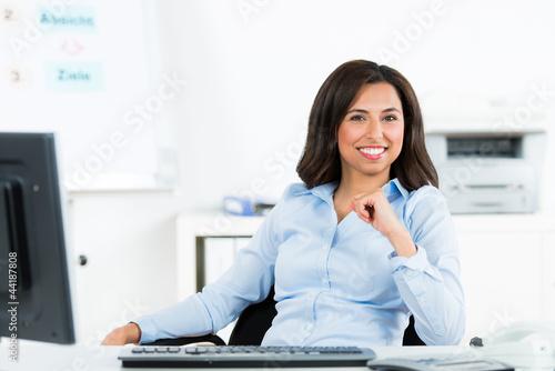 zufriedene geschäftsfrau