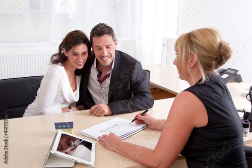 Paar im Beratungsgespräch