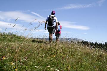 Randonneurs dans le Massif des Bauges, Savoie