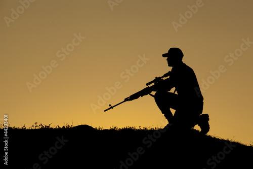 Keskin nişancı asker