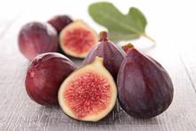 groupe de figues fraîches