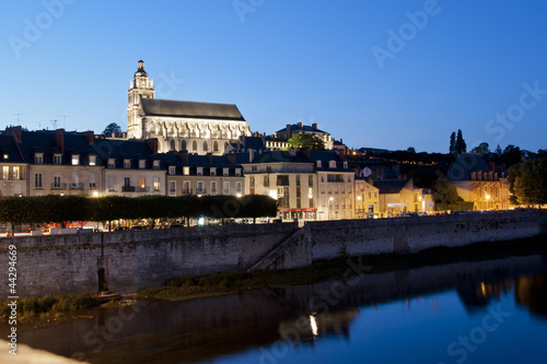 The riverside and the cathedral of Blois