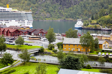 Ships and boats in Flam cruise harbour