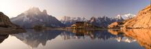 Alperna och Mont Blanc reflekterade i Lac Blanc