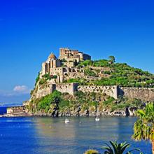 voir de la ville médiévale d'Aragon CAS. L'île d'Ischia