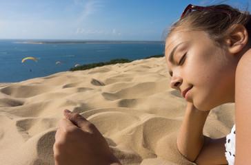 allongée sur la dune