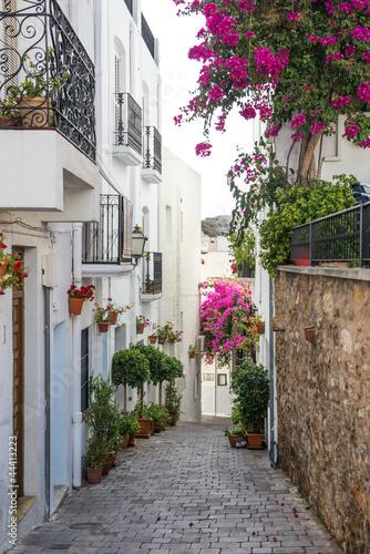 Bocznej uliczce w Mojacar Village, Almeria, Andaluzja, Hiszpania