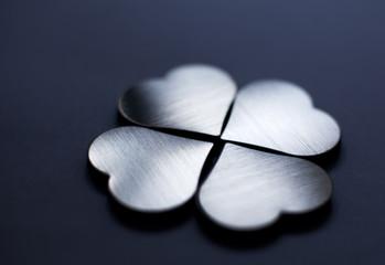 coeur trèfles quatre feuilles porte bonheur