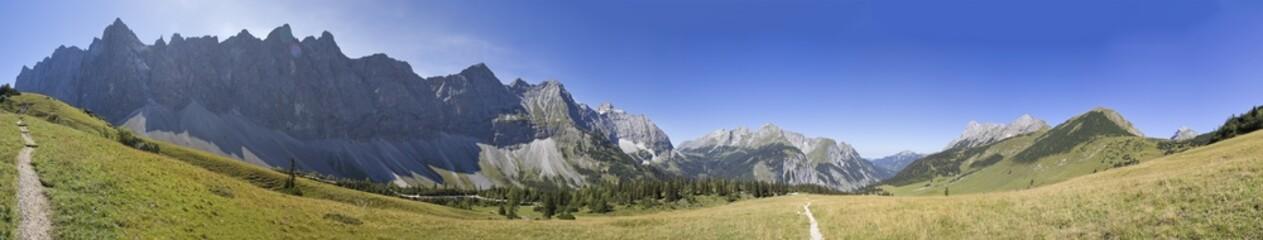 panorama von den Laliderer Wänden im Karwendelgebirge