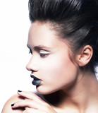 Trendy piękna kobieta - 44443204