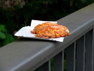 mozzarella pizza to go