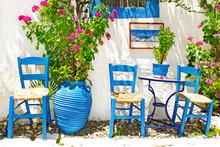 Tradycyjna Grecja series - mała ulica tawern