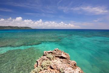 サンゴ礁の美しい海