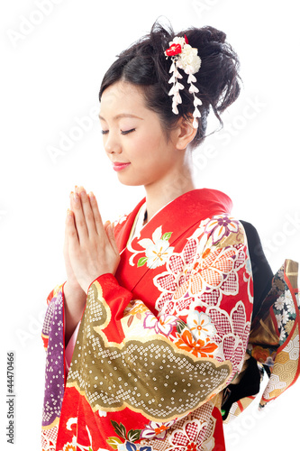 japanese kimono woman praying