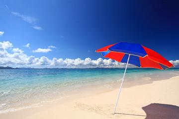 南国沖縄の美しいビーチ