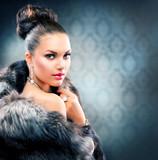 Fototapety Beautiful Woman in Luxury Fur Coat