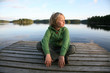 Leinwanddruck Bild - Junge am See