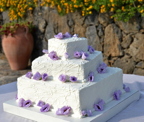 Wedding cake with roses lavender