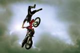 Fototapete Luft - Erstaunlich - Beim Sport