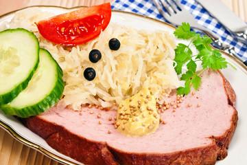 Leberkäse und Sauerkraut