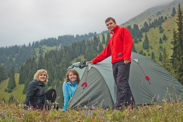 Tourists with the tent
