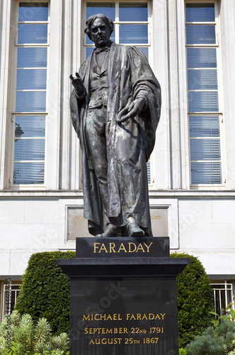 Michael Faraday statue in London