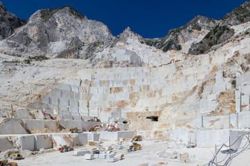 cava di marmo bianco