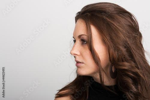 Profil einer hübschen Frau