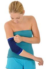 Junge Frau mit Bandage