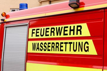 Einsatzfahrzeug der Feuerwehr Wasserrettung