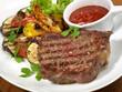 Steak vom Rind mit Grillgemüse