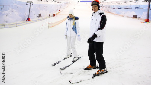 skier instructor argue with girl what will be better for her