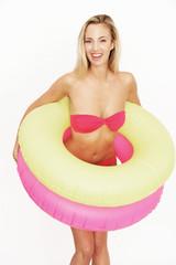 Bikini und Schwimmreifen