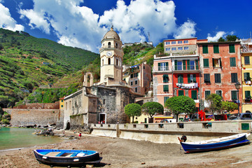 colors of sunny Italy -Vernazza Cinque terre