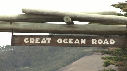 Welcome sign for the Great Ocean Road