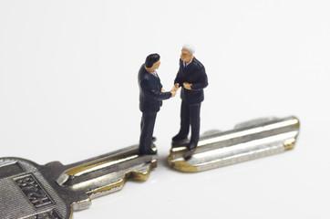 ビジネスマンと鍵