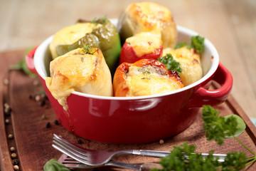 gefüllte Paprika im Ofen überbacken