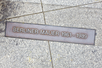 Berlin wall sign on the street, Berliner Mauer
