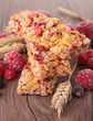 granola bar with berries