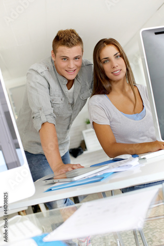 Portrait of smilng young business people