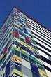farbenfrohes Bürogebäude Medienhafen Düsseldorf